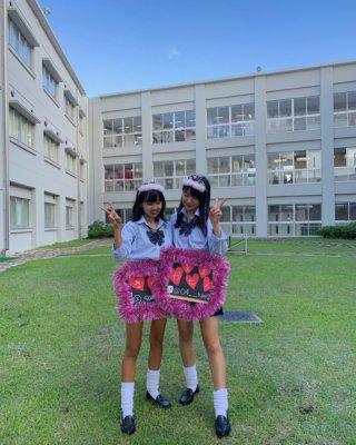 【画像】学校でなんとなく自撮りしてSNSに上げちゃう女子高生