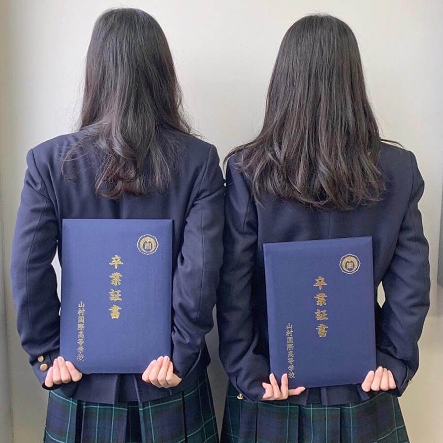 【画像】女子高生のツヤツヤな黒髪に後ろからぶっかけたくなる写真集