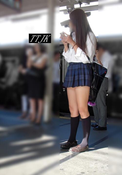 【画像】待撮りシャツ女子高生写真