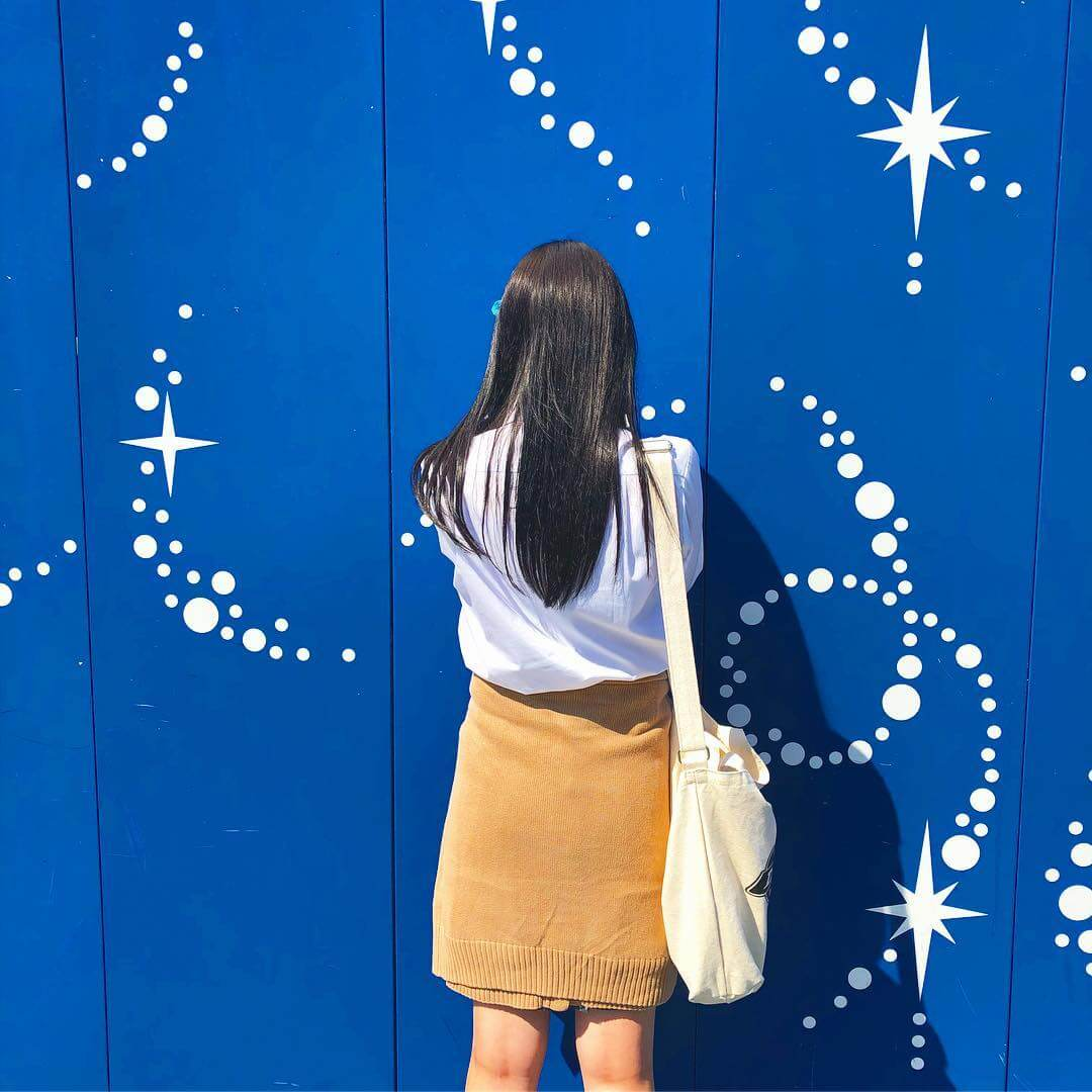 【画像】女子高生のキレイな艶黒髪に後ろからぶっかけたいよなww