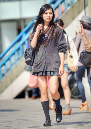【画像】衣替えしちゃいそうなので待撮りニット女子高生