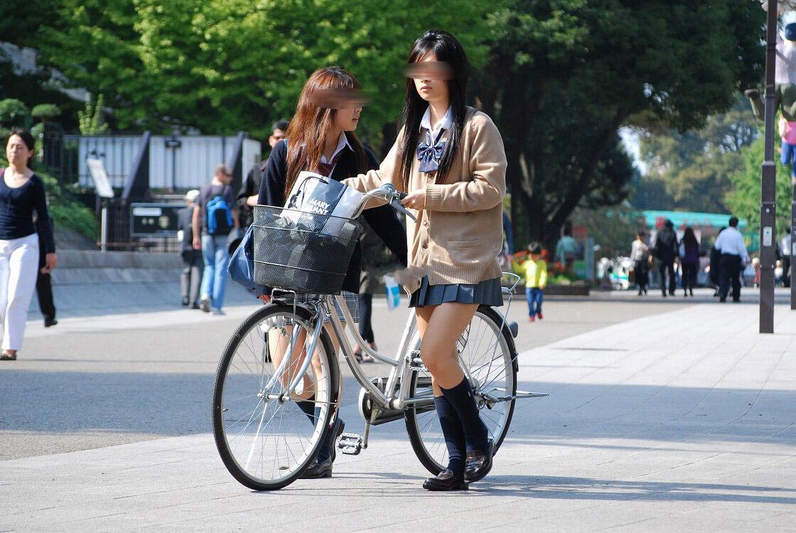 【画像】自転車JKってなぜかチラ見しちゃうよな