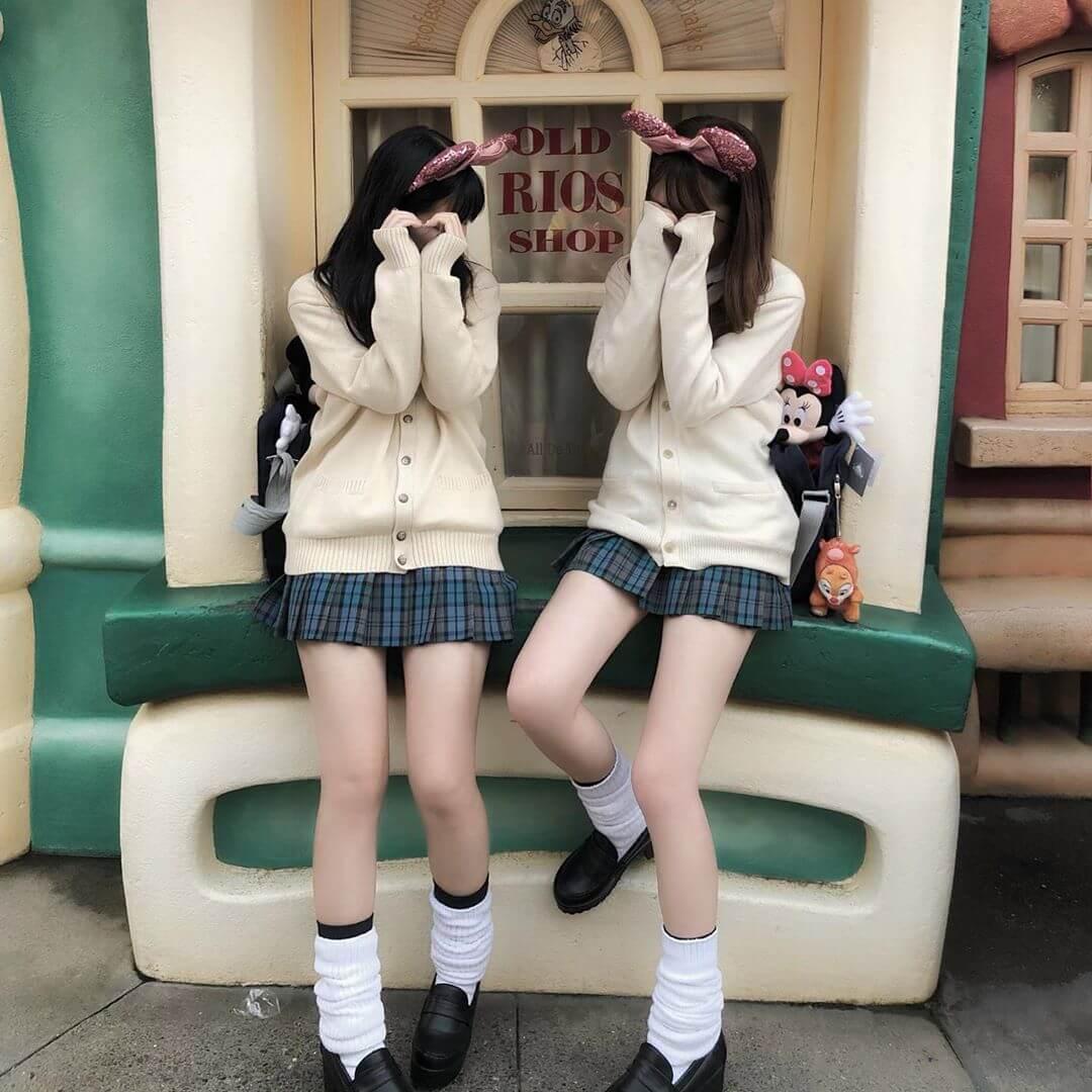 【画像】女子高生がディズニーで撮った自撮り写真