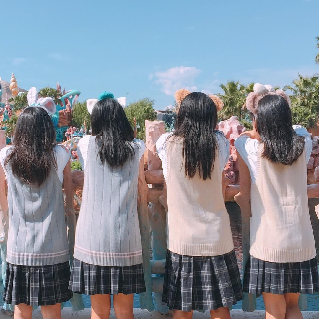 【画像】女子高生の後ろ姿見てたらぶっかけたくなる in ディズニー