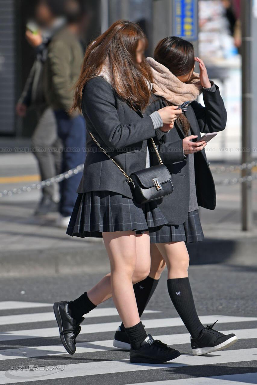 【画像】新春女子高生の街撮り写真集