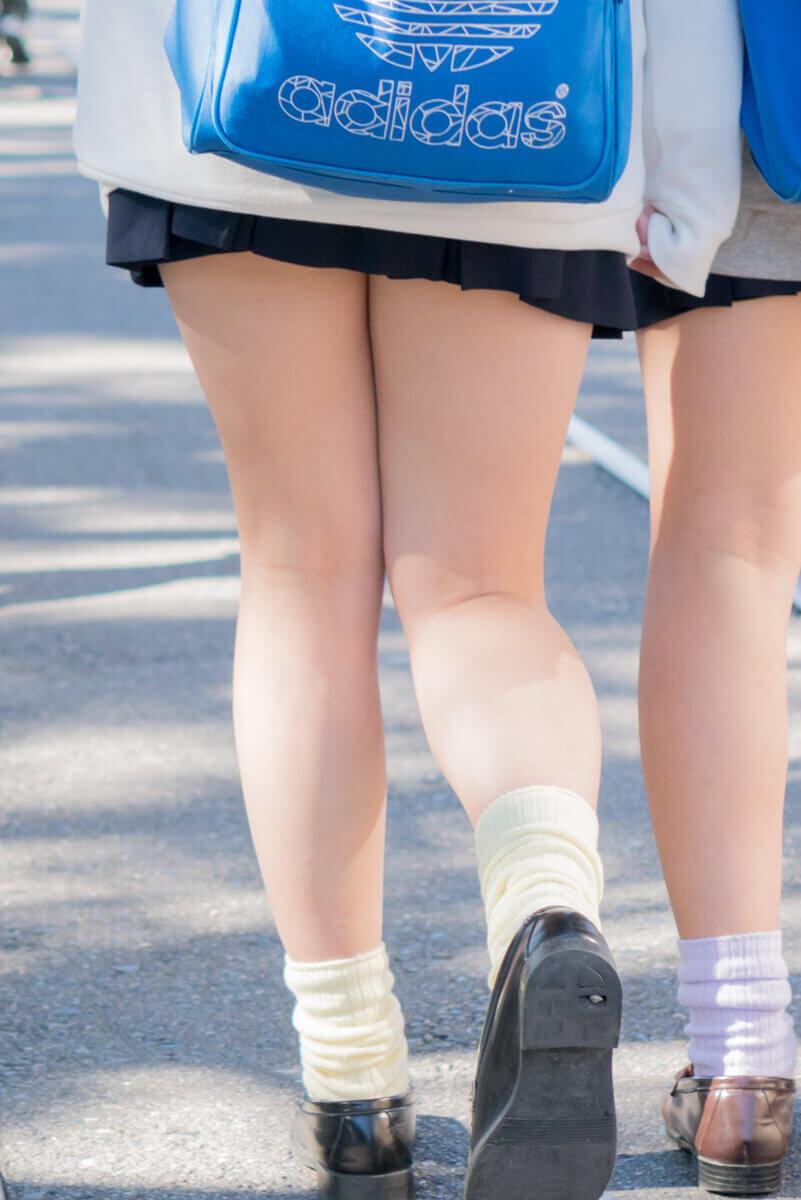 【画像】女子高生のふとももに焦点を当てた画像がマジでおいしそうww