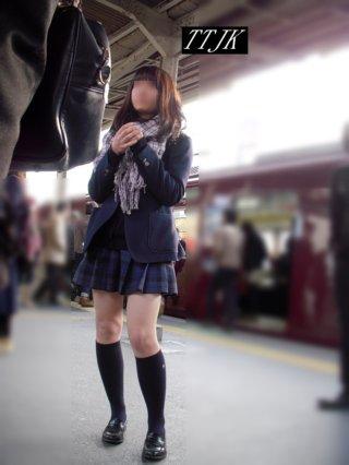【画像】駅や電車内で女子高生をどうやったらこんな綺麗に撮れるん?