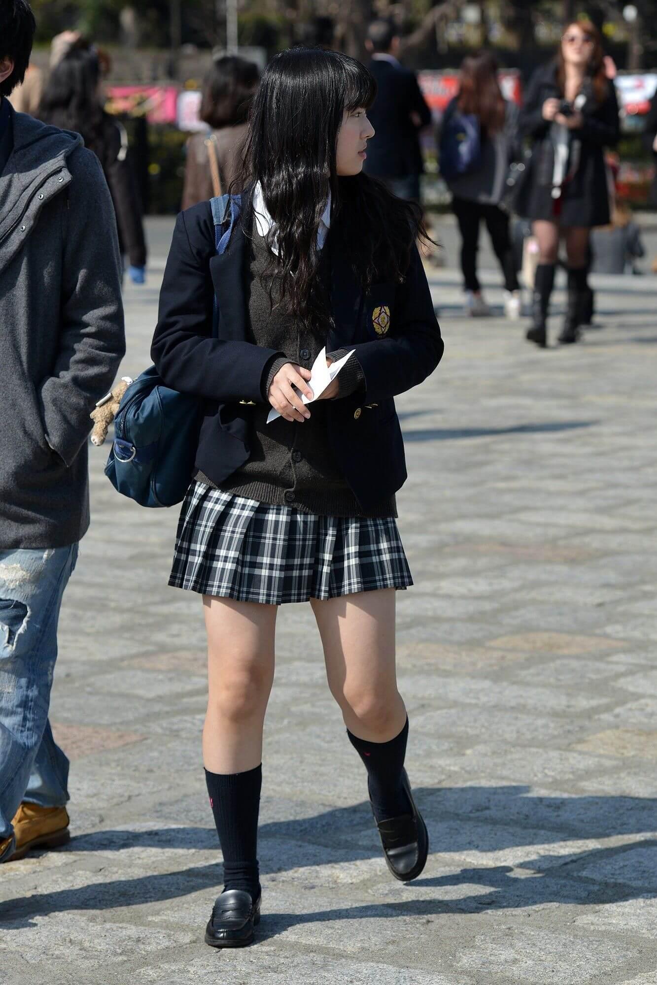【画像】職人がどこからともなく捉えた女子高生の街撮り写真