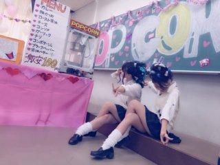 【画像】こんな風に文化祭で女子高生と準備しながらいちゃいちゃしたかったなぁ・・・