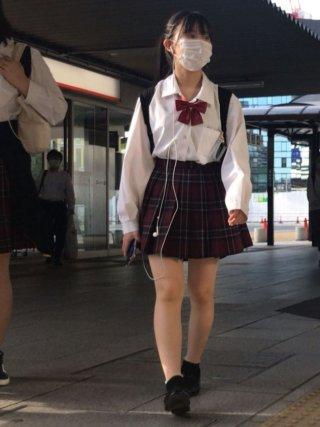 【画像】女子高生の街撮り写真※モデルを撮影しているとのこと