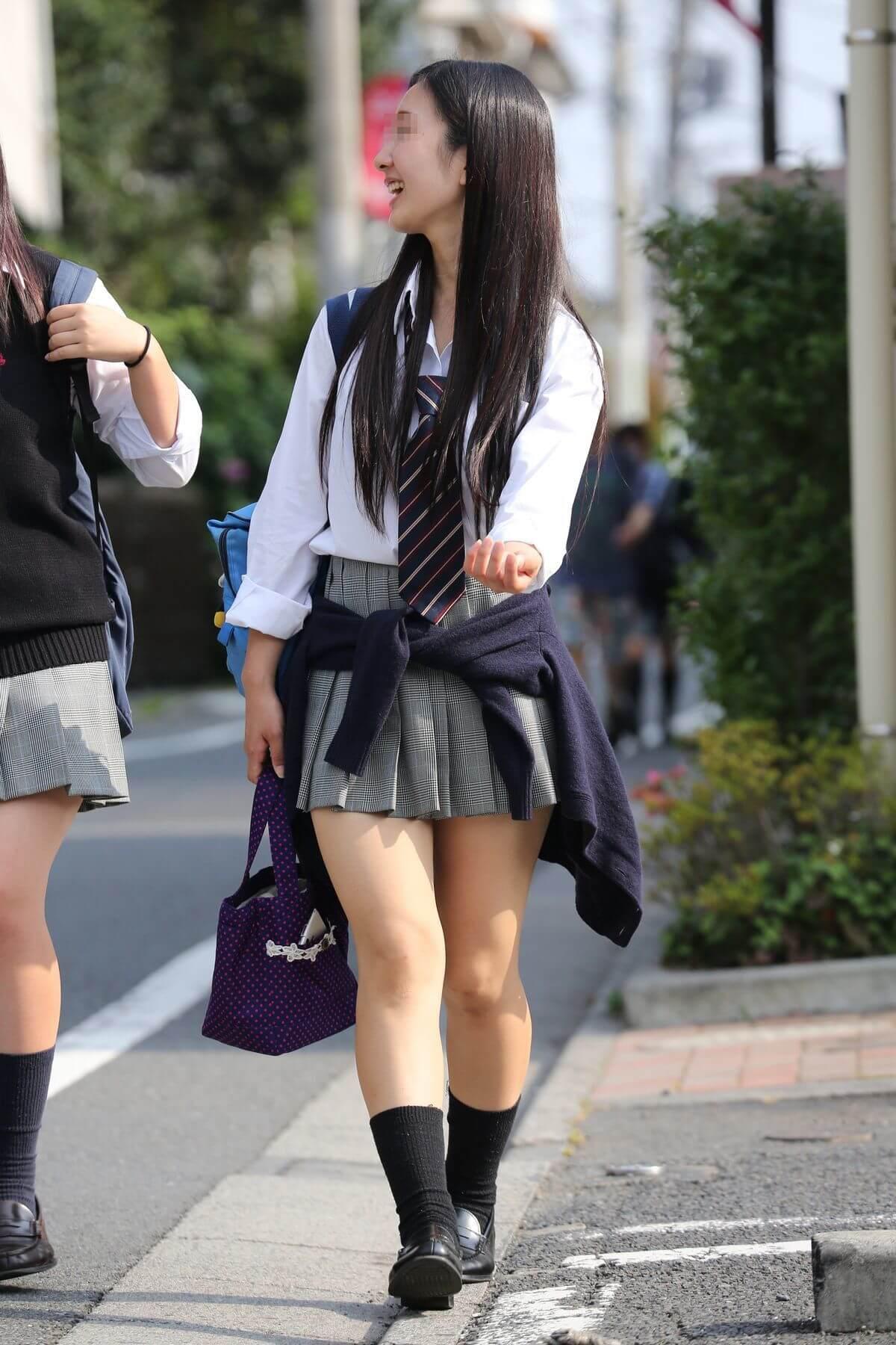 【画像】ドキドキが止まらない女子高生の街撮り写真集