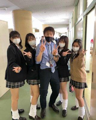 【画像】高校時代に女子高生と校内で青春してないやつは人生損してるよなww