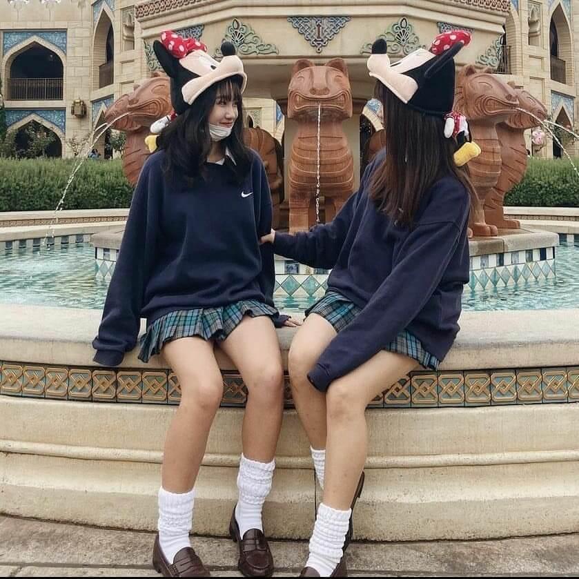 【画像】高校時代にJKと制服ディズニーした陽キャおる?