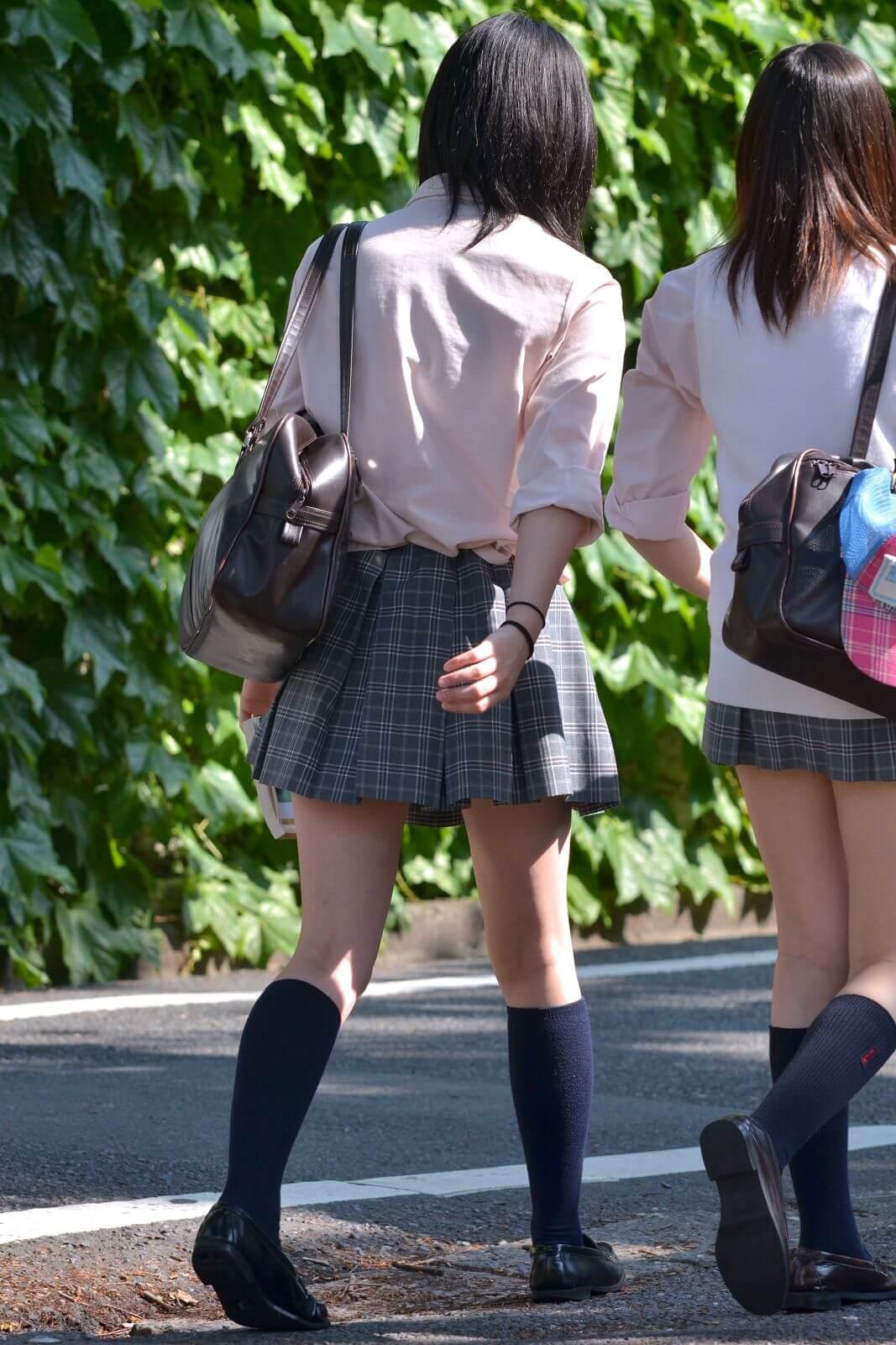 【画像】やっぱり街に制服JKがいないとやる気にならんよな!!