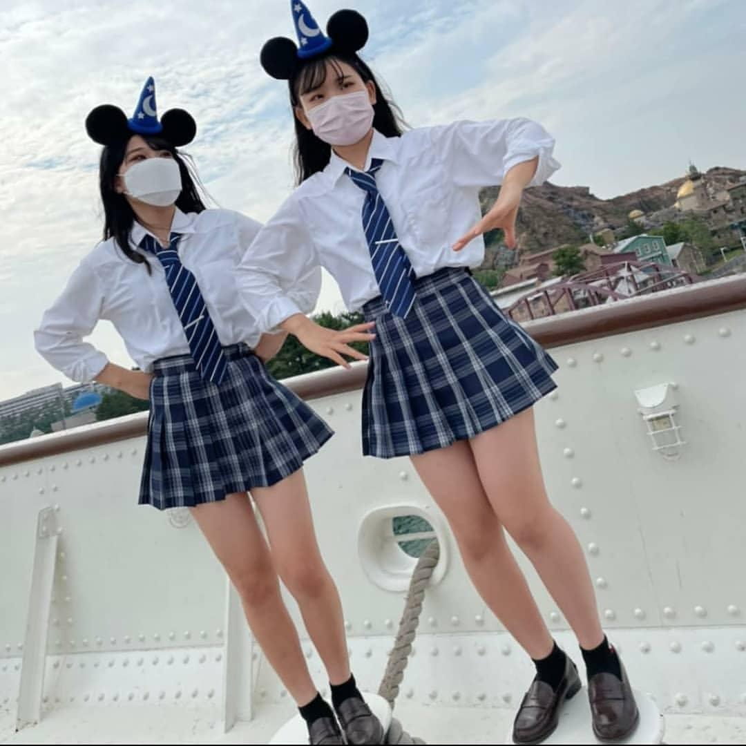 【画像】TDLの主役はもはや制服JKちゃんな写真集